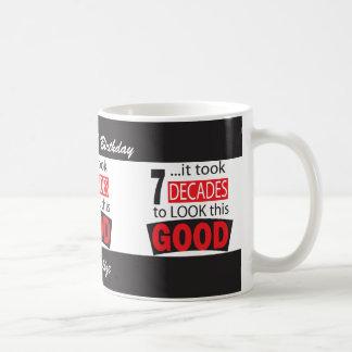 Cela a pris 7 décennies pour regarder ceci le mug