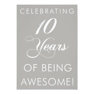 Célébrant 10 ans d'être impressionnant carton d'invitation  12,7 cm x 17,78 cm