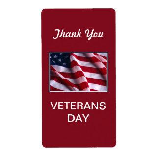 Célébration de jour de vétérans, drapeau sur le étiquette d'expédition