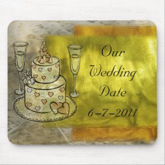 Célébration de mariage d'or tapis de souris