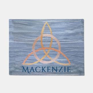 Celtic bleu de trinité d'or nommé curieux du décor paillasson
