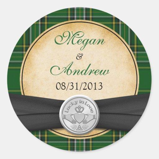 Celtic irlandais Claddagh de tartan chanceux dans Autocollants Ronds