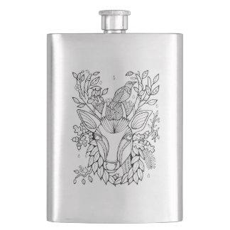 Cerfs communs fantastiques de forêt flasque