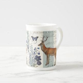 cerfs communs vintages modernes de région boisée mug