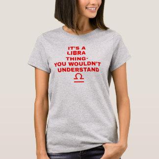C'est T-shirts d'une astrologie de chose de