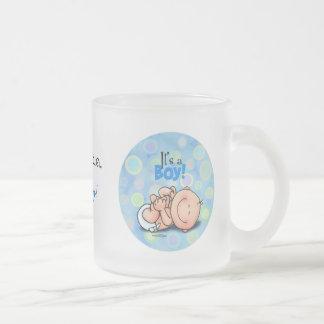 C'est un bébé ! mug en verre givré