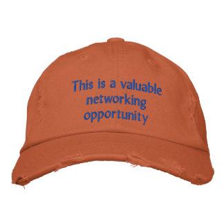 C'est une occasion précieuse de mise en réseau casquette brodée