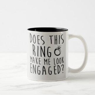 Cet anneau m'incite-t-il à sembler engagé ? tasse 2 couleurs