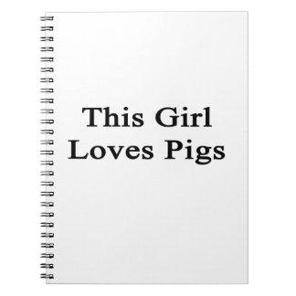 Cette fille aime des porcs carnets à spirale