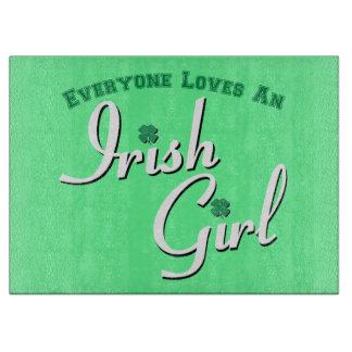 Chacun aime et fille irlandaise planches à découper