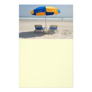 chaises de plage vides prospectus 14 cm x 21,6 cm