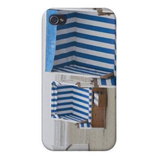 chaises de plage vides sur la plage coques iPhone 4/4S