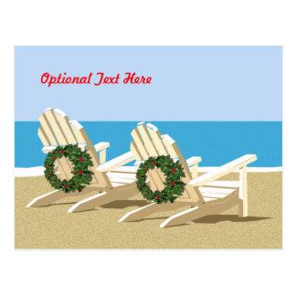 Chaises et guirlandes de plage carte postale