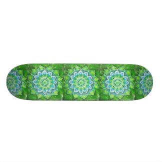 Chakra de coeur, aimer vert, compatissant, pardonn plateaux de skateboards