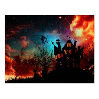 Chambre et sorcière hantées par Halloween Carte Postale