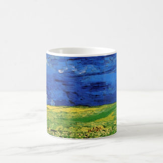 Champ de blé de Van Gogh sous un ciel opacifié Mug