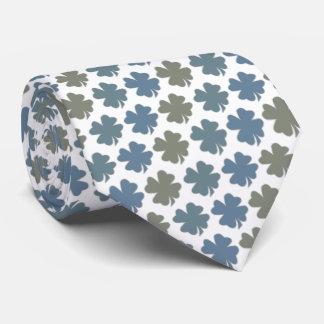 Chance de trèfle de quatre feuilles de la cravate