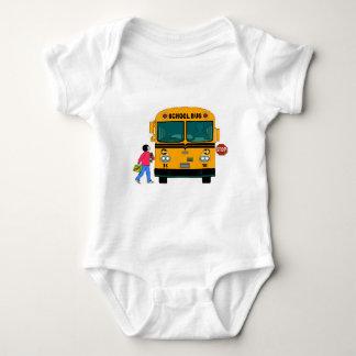 Chargement d'autobus scolaire body