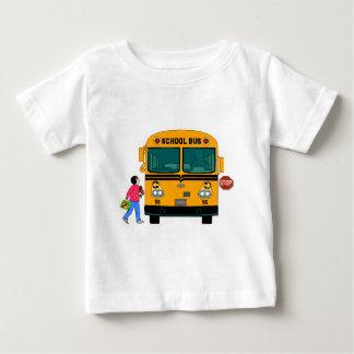 Chargement d'autobus scolaire t-shirt pour bébé