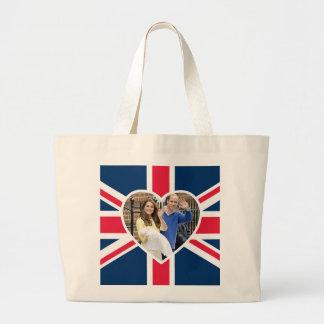 Charlotte Elizabeth Diana - les Anglais veulent Grand Sac