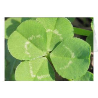 Charme de bonne chance de trèfle de 4 feuilles carte de vœux