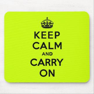 Chartreuse gardez le calme et continuez (le noir) tapis de souris