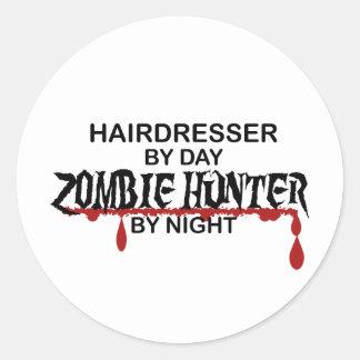 Chasseur de zombi de coiffeur autocollant rond