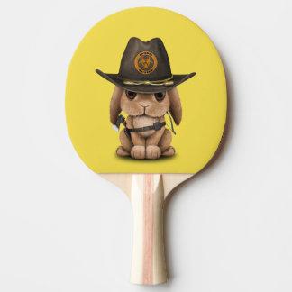 Chasseur de zombi de lapin de bébé raquette de ping pong