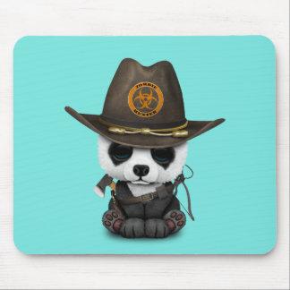 Chasseur de zombi d'ours panda de bébé tapis de souris