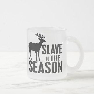 Chasseur drôle de cerfs communs mug à café