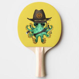Chasseur vert de zombi de poulpe de bébé raquette de ping pong