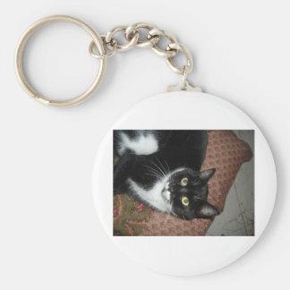 Chat adopté heureux porte-clé rond