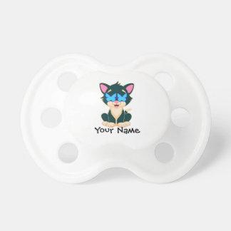 chat avec des verres tétine