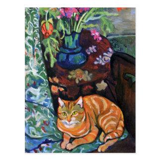 Chat de gingembre et bouquet des fleurs par carte postale