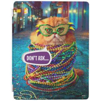 Chat drôle avec les perles colorées au mardi gras protection iPad