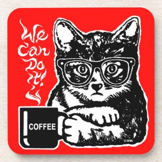 Chat drôle motivé par le café dessous-de-verre
