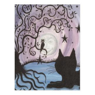 Chat enchanteur avec la carte postale de lune