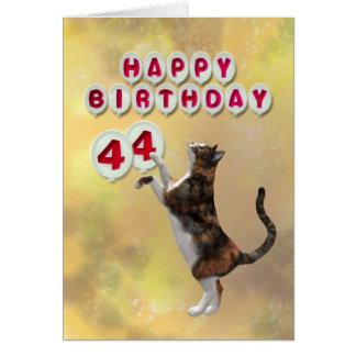Chat espiègle et quarante-quatrième ballons de carte de vœux
