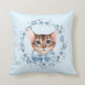 Chat et fleurs bleues oreiller
