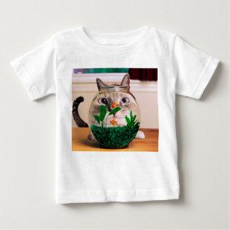 Chat et poissons - chat - chats drôles - chat fou t-shirt pour bébé