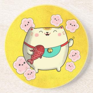 Chat rond mignon de Maneki Neko Dessous De Verres