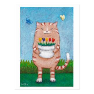 Chat tigré orange avec la carte postale de