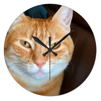 Chat tigré orange grande horloge ronde