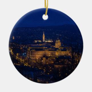 Château de Buda Hongrie Budapest la nuit Ornement Rond En Céramique
