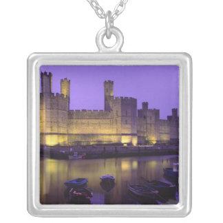 Château de Caernarfon, la nuit, Gwynedd, Pays de Pendentif Carré