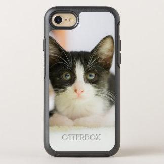 Chaton blanc et noir doux coque OtterBox symmetry iPhone 8/7