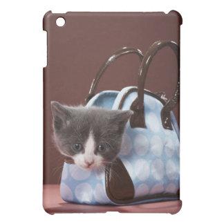 Chaton dans le sac à main coque pour iPad mini