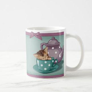 Chaton de tasse de thé