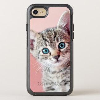 Chaton mignon avec les yeux bleus coque OtterBox symmetry iPhone 8/7