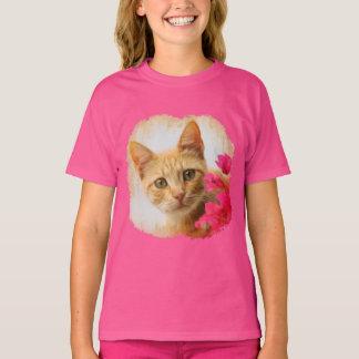 Chaton mignon de chat de gingembre vous observant t-shirt